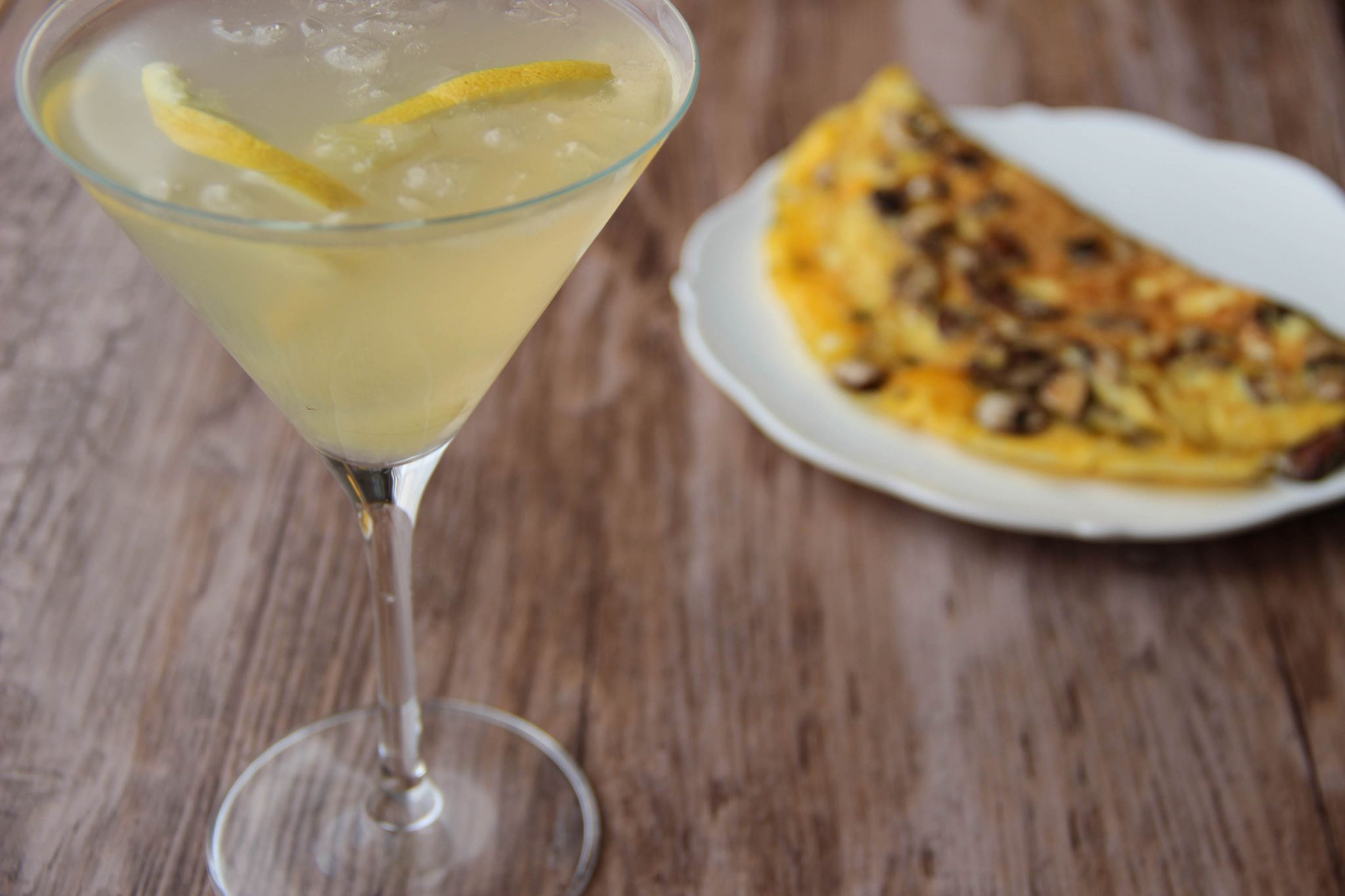 Honey bee cocktail and mushroom omelette