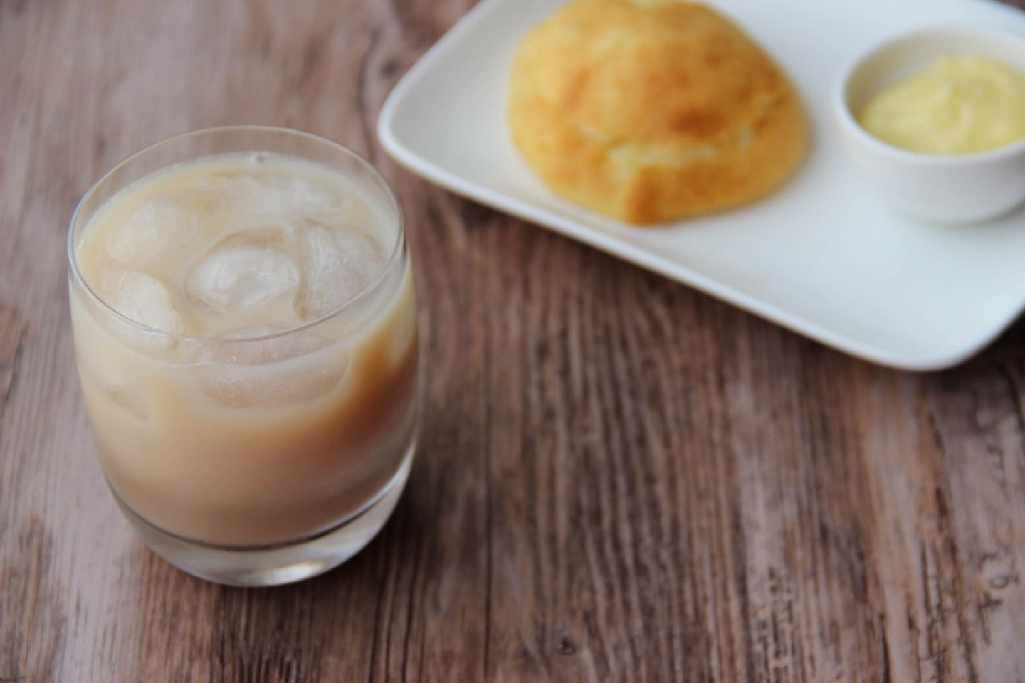 Chilling out cocktail and recipes choux bun muddy water cocktail